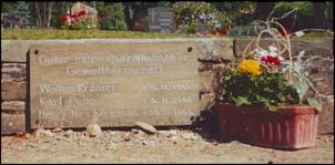 Klicken Sie auf die Grafik für eine größere Ansicht  Name:Gedenktafel auf dem Friedhof Hahndorf (VVN-BdA Siegen).jpg Hits:20 Größe:121,8 KB ID:14234