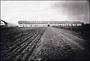 Klicken Sie auf die Grafik für eine größere Ansicht  Name:Breslauer Straße 51 - 75 um 1950.jpg Hits:277 Größe:1,49 MB ID:7775